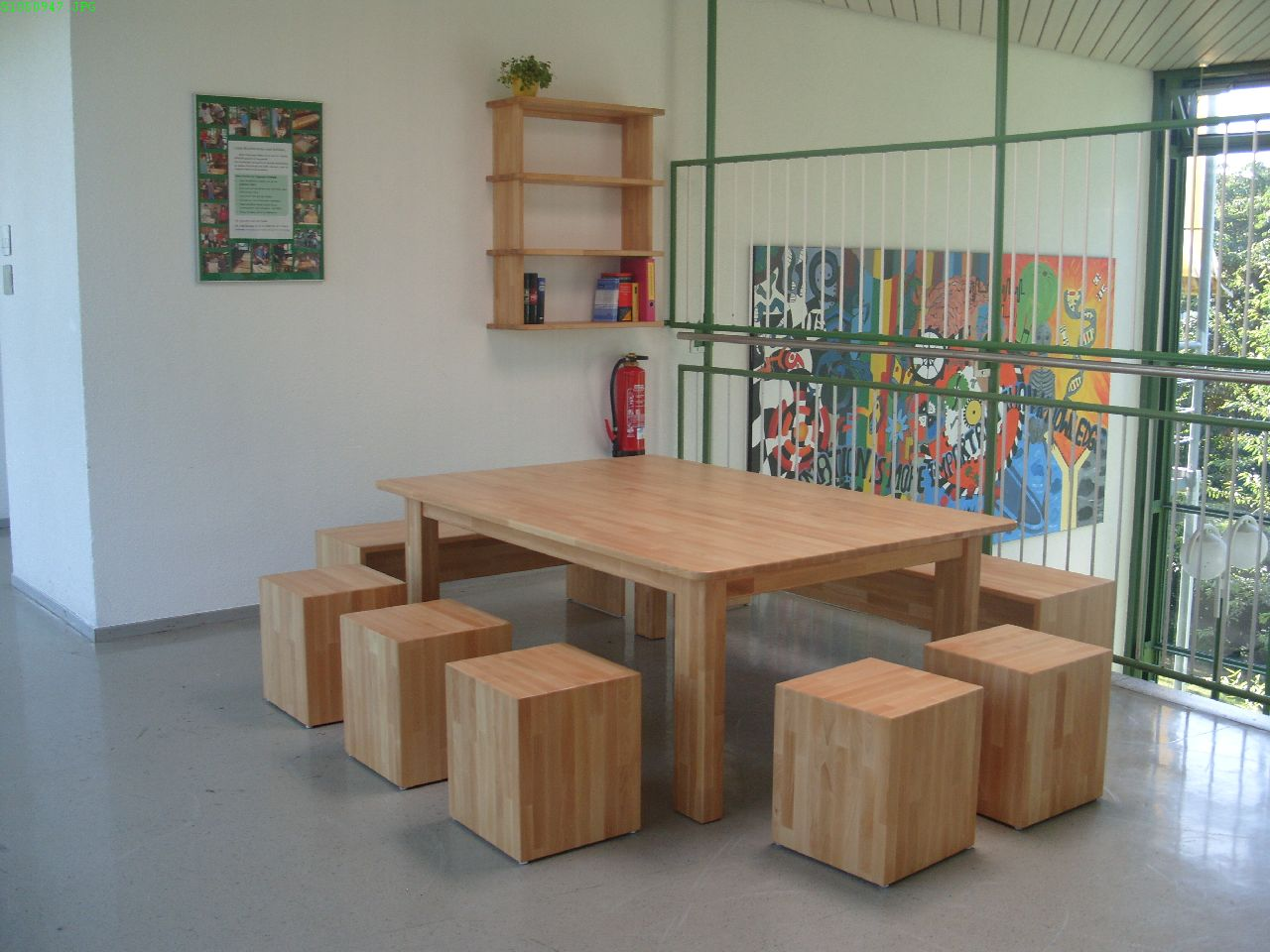 neue m bel f r die galerie im neubau realschule berlingen. Black Bedroom Furniture Sets. Home Design Ideas